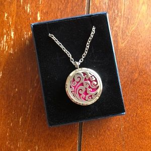 Jewelry - Oil diffuser pendant with colors